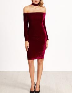 Velvet bordeaux choker jurk
