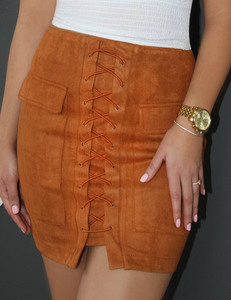 Lace up suede rok brown