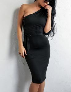 One sleeve black