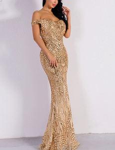 Sequined off shoulder dress goud